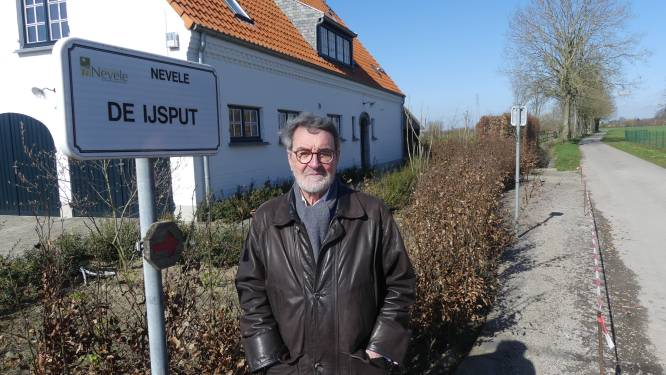 """Jan (78) vertelt verhaal achter alle 650 plaatsnamen in Vosselare: """"Tien jaar aan dit boek gewerkt"""""""