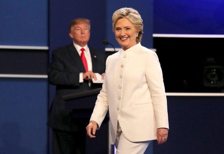 Donald Trump en Hillary Clinton tijdens het laatste tv-debat in Las Vegas, vorige week. Beeld EPA