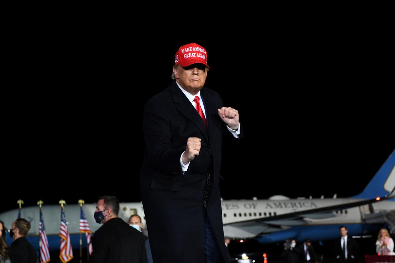 Trump bedankte The Washington Post gisteren in een verklaring omdat ze bereid waren geweest door het stof te gaan. Beeld REUTERS