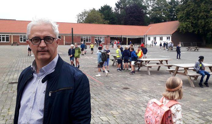 Directeur Guy Verrezen is samen met zijn leerkrachtenteam klaar voor het nieuwe schooljaar
