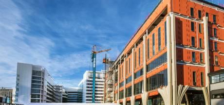 Omstreden ambtenaar mag met bouwer blijven werken ondanks beschuldiging van bevoordeling