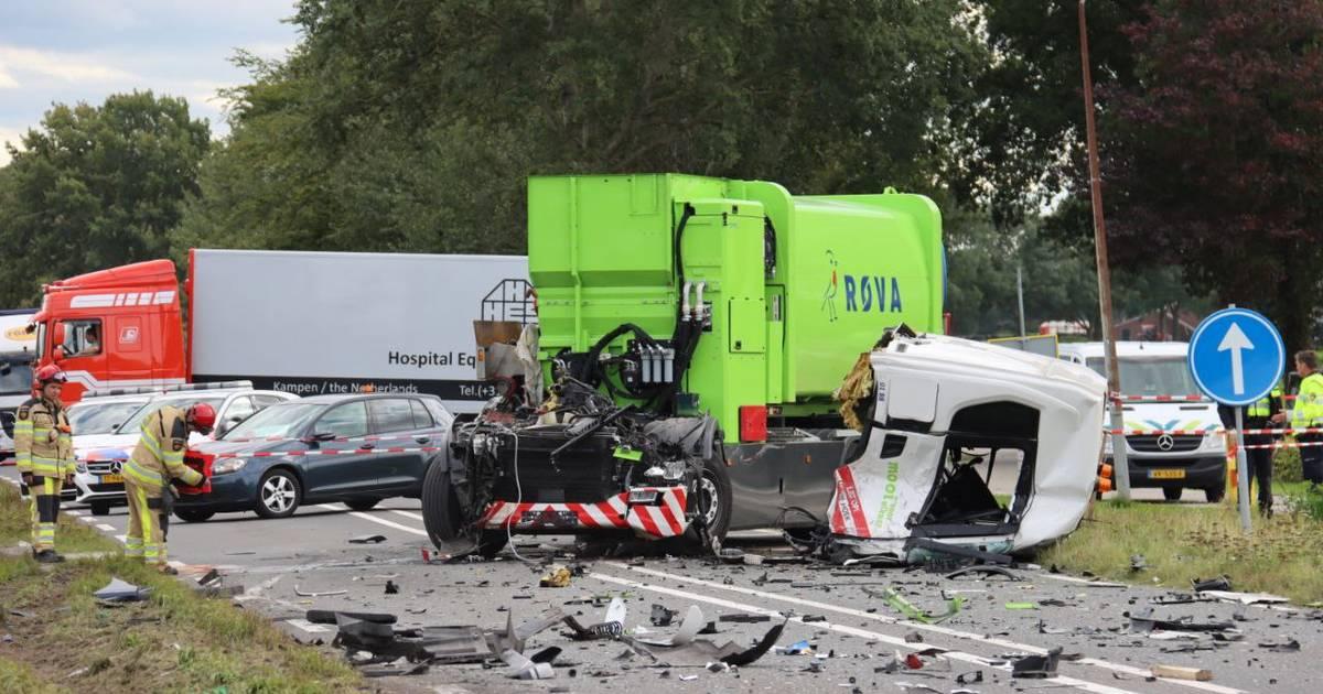 Chauffeur vuilniswagen maakte bij ernstig ongeluk in Vollenhove slechts één fout.