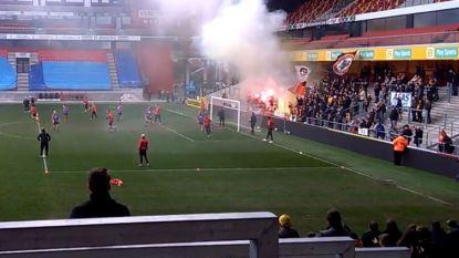 """KV Mechelen-spelers luid toegezongen door fans op uitzonderlijke open training: """"Fantastisch, deze steun"""""""