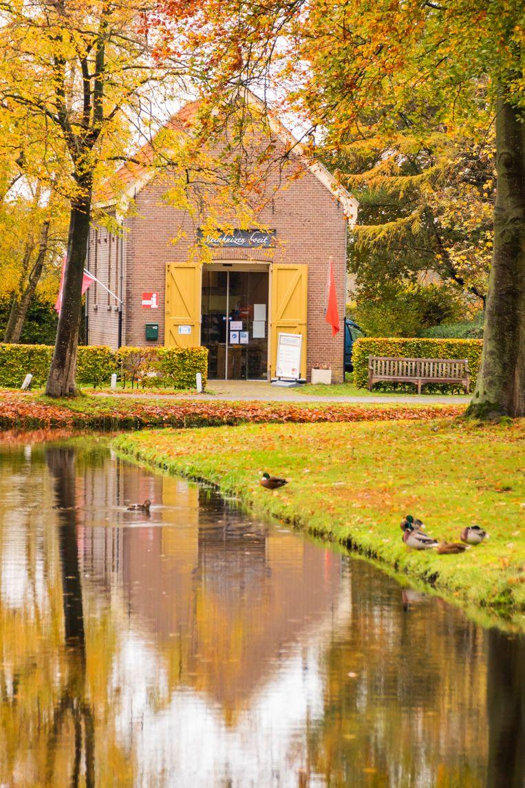 'Veenhuizen boeit!' is de slogan van de lokale VVV, die is ondergebracht in het voormalige slachthuis. Beeld Sander Groen