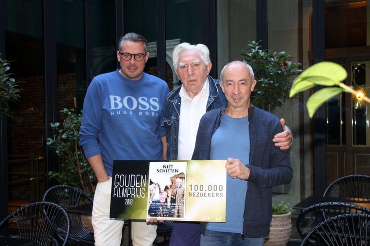 David Van de Steen, Stijn Coninx en Jan Decleir met de Gouden Award.