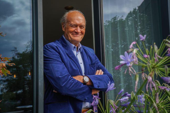 Jacques Vermeire opent het nieuwe seizoen van 'Het Huis'.