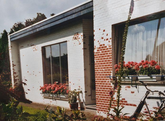 Een oude foto van het huis van de grootmoeder van Ine van 'Voizine'.