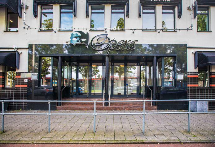 Een zalencentrum als Opera aan de Fruitweg is een bekende plek vanwege trouwerijen en zou daarom priklocatie kunnen worden.
