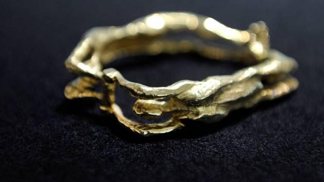 Knuffeldieven vrijgelaten: politie vond 37 gouden zegelringen in woning