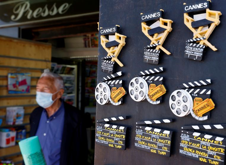 Magneetjes in Cannes. Beeld Eric Gaillard / Reuters