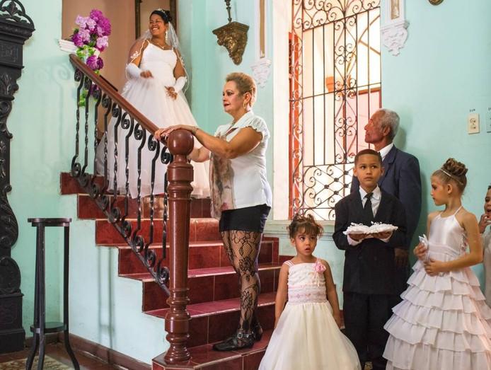 Carl de Keyzer zocht voor zijn serie Cuba la Lucha het Cuba op dat van communisme beweegt naar een vrijemarkteconomie.