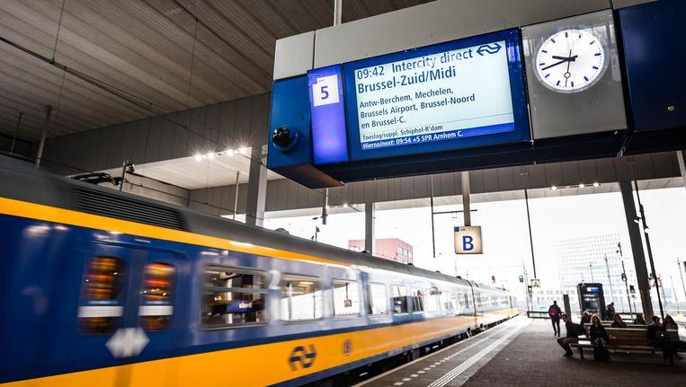 Vanuit Amsterdam zijn Brussel en Düsseldorf per trein in ruim een uur te bereiken. Beeld anp