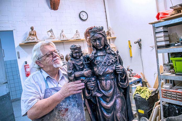 Wim Geers knapte het Mariabeeld belangeloos op, nu kan het weer terug naar de plek waar het gestolen werd.