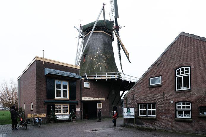 Grutterij-molen De Hoop aan de Babberichseweg.