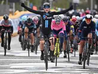 """Nederlandse Lorena Wiebes schiet raak in eerste Scheldeprijs: """"Hectische koers, chaotische sprint"""""""