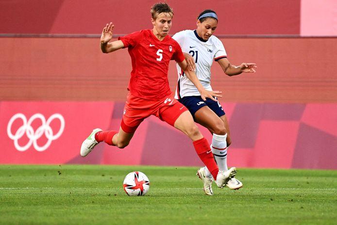Quinn in actie tijdens de verrassend gewonnen halve finale tegen de Verenigde Staten.