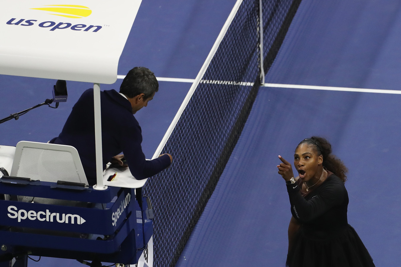 Serena Williams in discussie met Carlos Ramos.