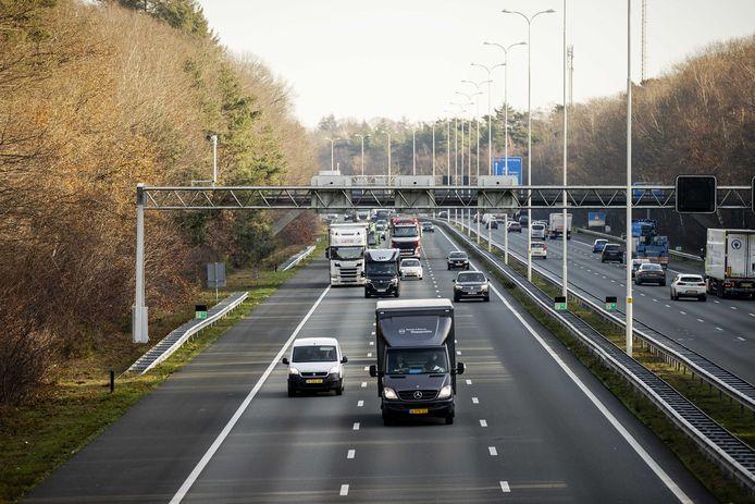 Verkeer op de A28 bij Zeist.