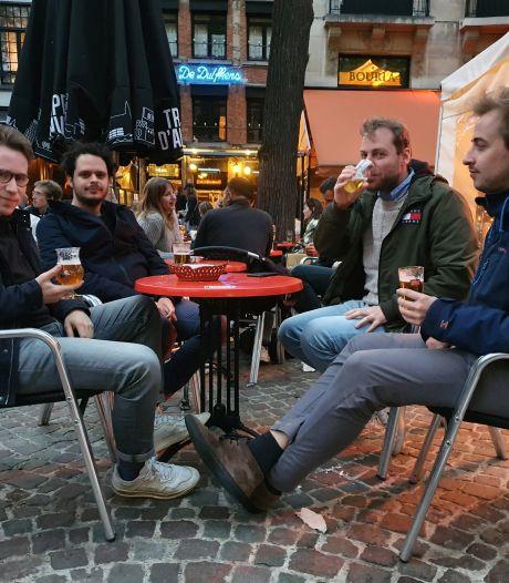 IN BEELD: Zo verliepen de laatste uren van de openingsdag van de horeca
