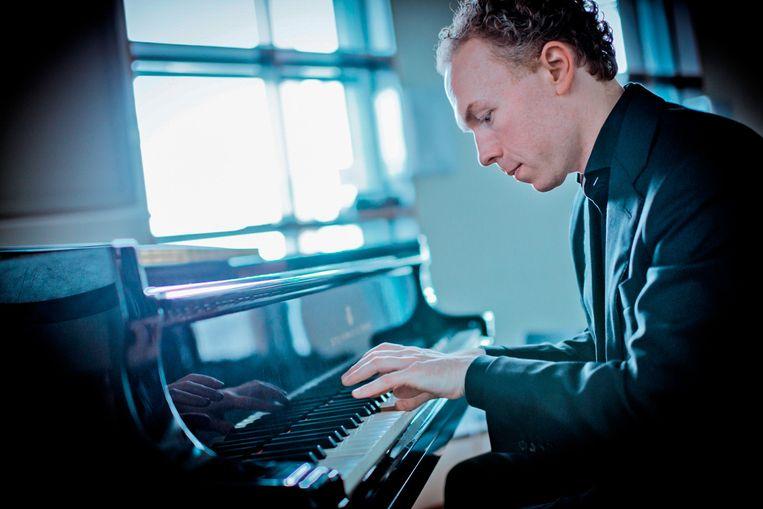 Pianist en musicoloog Ralph van Raat. Beeld