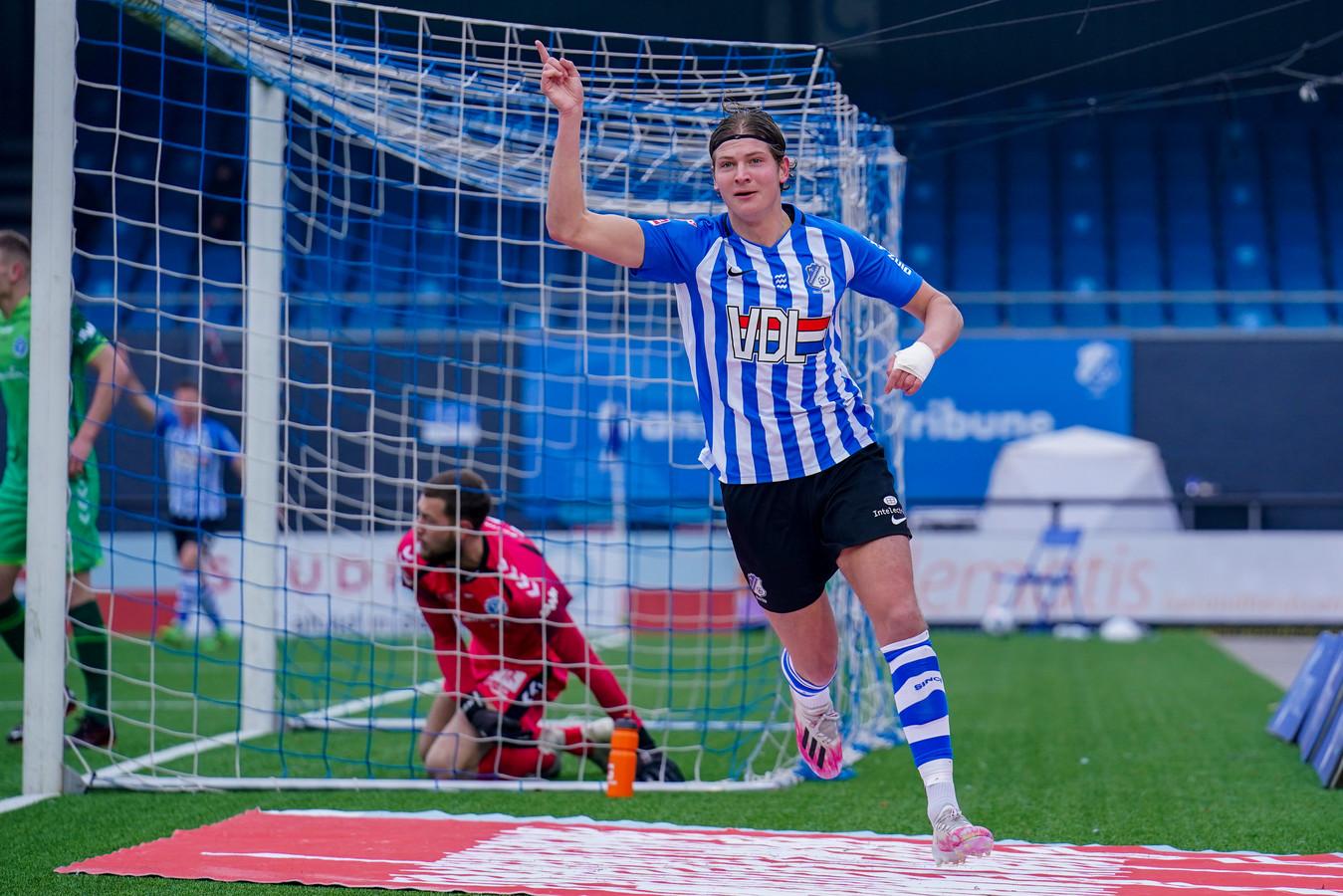 Maarten Peijnenburg na zijn goal.