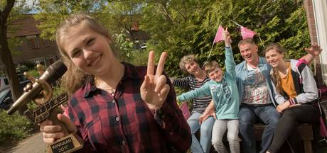 Zeewolde eert Voice Kids-winnares Iris