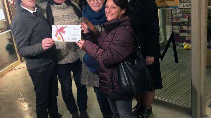 The Empty Shop schenkt 2.750 euro aan vzw Oostrem