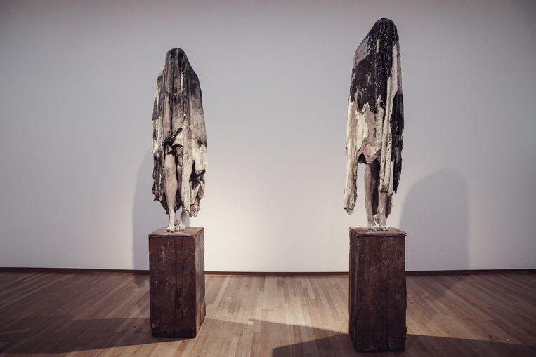 De cruciale figuren van de expo: de engelen Arcangelo I & II. Beeld © Stefaan Temmerman