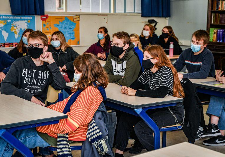 Een Gentse klas. Van Damme: 'Ik wil de scholen niet per se en manu militari openhouden.' Beeld Joel Hoylaerts/Photo News