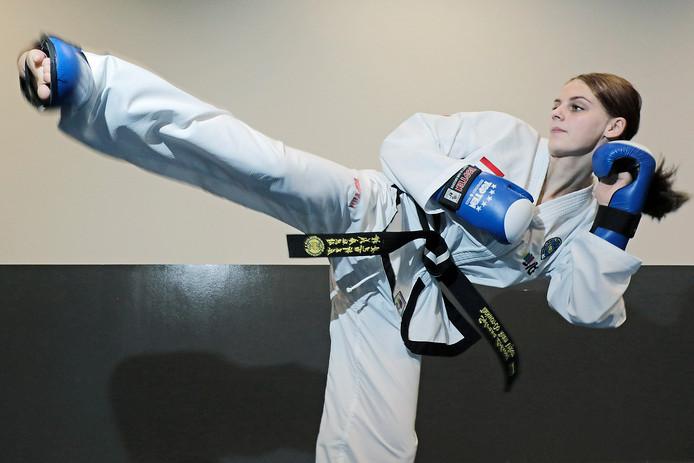 PVH Oss Sylvana Lobregt behaalde goud en brons op het EK teakwondo BD OSS foto: Peter van Huijkelom