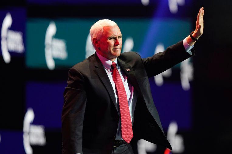 De Republikeinse verzet in het Congres brengt vice-president Mike Pence, deze week voorzitter van de voltallige zitting van Huis van Afgevaardigden en Senaat, in een lastige positie. (Foto AP/Lynne Sladky) Beeld AP