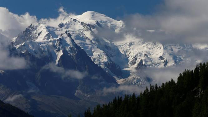 Wandelaar vindt op Mont Blanc drie klimmers die 20 jaar geleden opgeslokt werden door het ijs