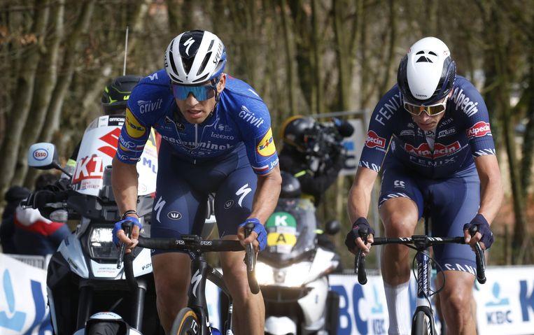 Zdenek Stybar (l.) en Oscar Riesebeek tijdens Gent-Wevelgem. Beeld Photo News