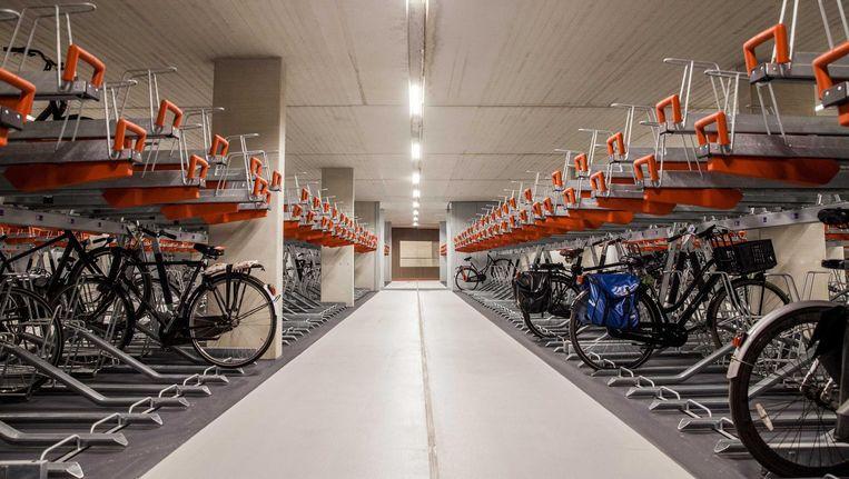 De ondergrondse ietsenstalling bij Utrecht CS. Als de stalling eind 2018 klaar is, kunnen hier 12.500 fietsen geparkeerd worden. Beeld null
