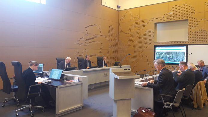 De zitting van de Raad van State.