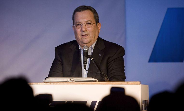 Barak (foto) ontkent dat hij om eigen gewin Netanyahu aan een parlementaire meerderheid wil helpen. Foto EPA/Jonathan Näckstrand Beeld