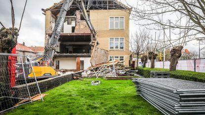 "Gemeente stelt buurtbewoners gerust tijdens afbraak stadhuis: ""Géén asbest in gebouw"""