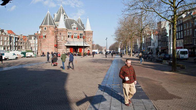 De herdenking was door Van der Laan al verplaatst van het Rembrandtplein naar de Nieuwmarkt Beeld Roi Shiratski