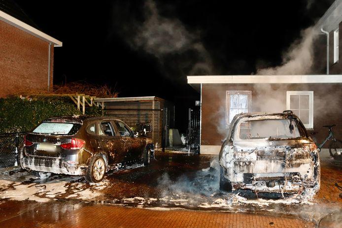 De schade na de autobrand in Cuijk.