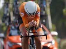 Van Dijk verovert wereldtitel na bloedstollende slot tijdrit, brons voor Van Vleuten