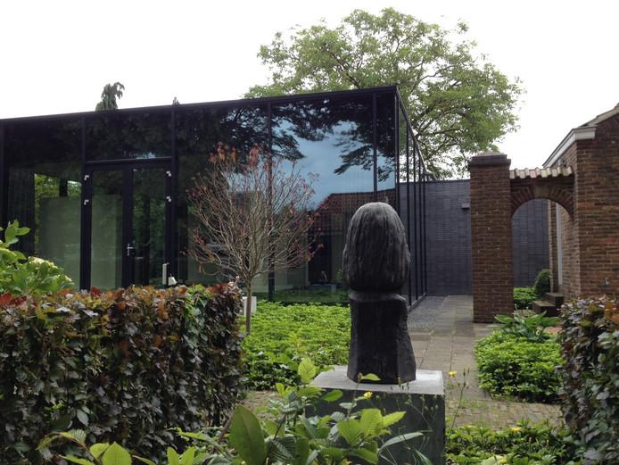 Het Jan Heestershuis in Schijndel werd in 2007 uitgebreid met een glazen paviljoen.