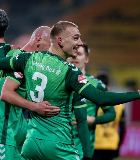 'Voorzichtiger knuffelen' na een goal bij De Graafschap: 'Verzin maar ludieke manier'