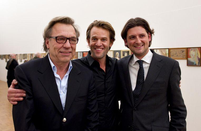 Schilder Jasper Krabbé met Jan Mulder (L) en kunsthandelaar Jan Six. Beeld