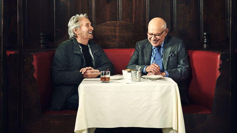 Michael Douglas & Alan Arkin in 'The Kominsky Method'. Beeld