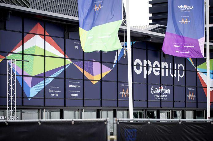 Vlaggen van het Eurovisiesongfestival bij Ahoy.