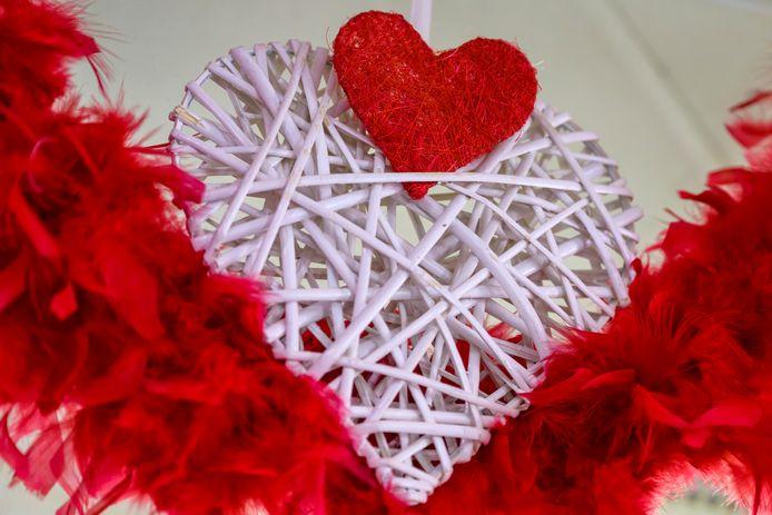 Met Valentijn zullen we dit jaar onze liefde in eigen kot moeten verklaren, gelukkig zijn er heel wat online initiatiieven te vinden.