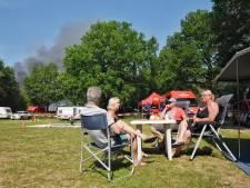 Campinggasten Beekse Bergen zien restaurant in rook opgaan: 'Heel raar, als je je tent open doet en je ziet die grote brand'
