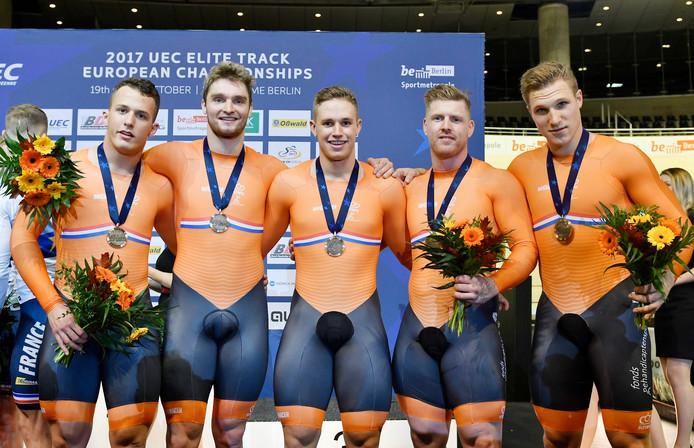 De Nederlandse sprinters pakken brons. Matthijs Buchli (NED), Jefrey Hoogland, , Harrie LLavreysen , Roy van de Berg en Sam Ligtlee.
