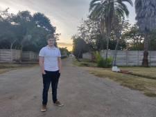 Corona? Justin (21) uit Zutphen bleef gewoon in Zimbabwe en hielp al honderden gezinnen, 'ben hier nu toch'