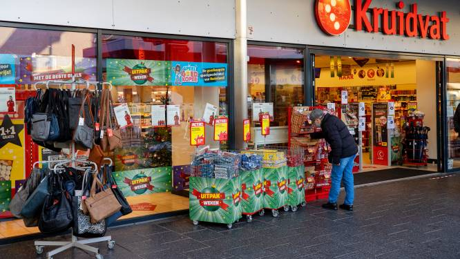 Eindhovense koffiedief loopt winkels uit met volle tas en komt even later terug voor de volgende lading